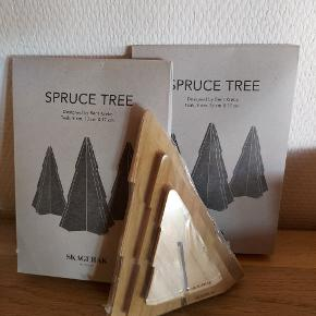 2 sæt Skagerak/Trip trap juletræer Der er 2 helt nye pakker....den ene blot åbnet til billeder  Der er 3 styk Teak trls træer i forskellig størrelse  i hver pakke  Nyprisen 345 pr pakke  Min pris: 1 sæt  200 pp 2 sæt 350 pp