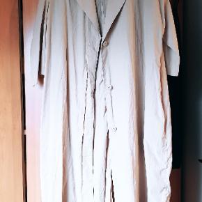 Flot jakke fra COS, brugt få gange :-) 899 fra ny.
