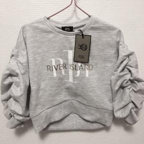 Lækker sweatshirt fra River Island.