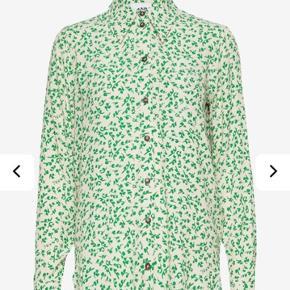 Super fin skjorte. Brugt 2 gange Nypris 999kr  Køber betaler Porto og evt ts gebyr