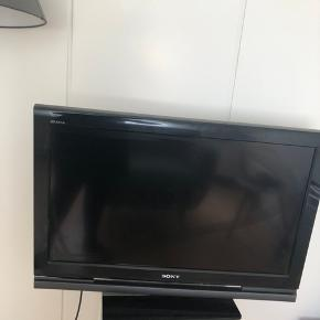 SONY tv 32 tommer, byd Fjernbetjening medfølger.