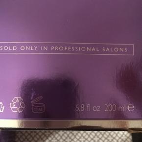 En masse luksus produkter til hår sælges uhørt billigt !! Jo flere :jo lavere Pris  50-100kr Halv pris —eller under ! Alt nyt og ubrudt Hentes i Greve eller sendes Med dao for 33kr gennem Trendsale hvor Både køber og sælger er forsikret