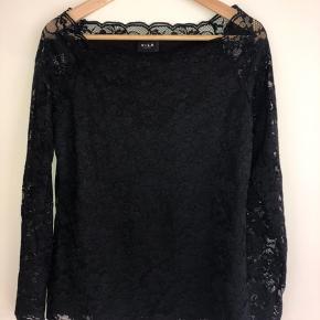 Mega fin blonde bluse fra VILA Oprindelig pris: 250 kr