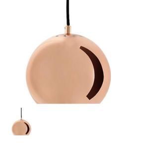 Flot Frandsen Ball pendel i farven kobber.   Ø: 18 cm