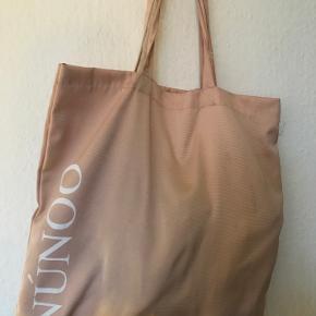 Nunoo anden taske