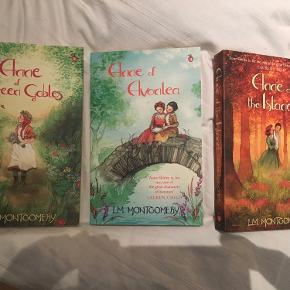 Paperback på engelsk De tre første bøger i serien