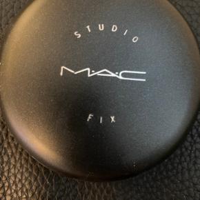 Prøvet en gang. Nc15 studio fix powder plus.