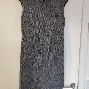Perfect warm winter dress from Mango Suit collection. Used only a few times.