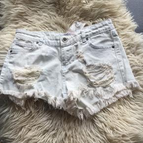 Lækre shorts fra Nelly sælges! Str. 34 BYD 😁🌸
