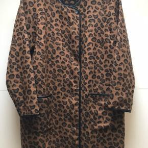 Lækker jakke  Str M Nypris 899