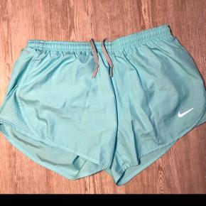 Blå Nike shorts  Nypris 500 Byd!!