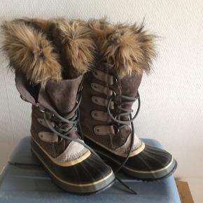 """Virkelig flotte og velholdte sorel støvler - """"Joan of artic"""". Varme og vandtætte. Brugt max 5 gange."""