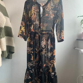 Jacqueline De Yong kjole