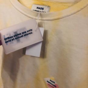 Ny sweater fra Mads Nørgaard i finaste gule farve, stadig med tag. Strl s men oversize fit, passer alt fra xs til større medium.