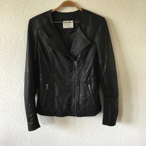 Sælger denne skønne jakke for min datter🦔🍂 Den er super fin stand🦔🍂
