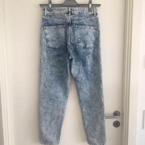 Mom Jeans. Topshop Moto. W28 L30. W71 cm L76 cm.