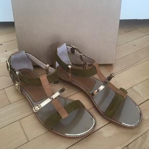 Smukke sandaler fra Baldan. Aldrig været brugt. Modtager gerne bud.