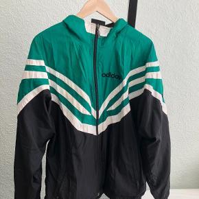 Vintage windbreaker fra Adidas Original. Fitter oversized