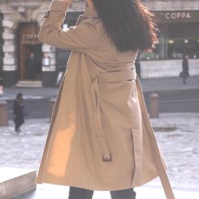 Classy Uniqlo trench coat. Size Small. A-line and rooms to layer up :)