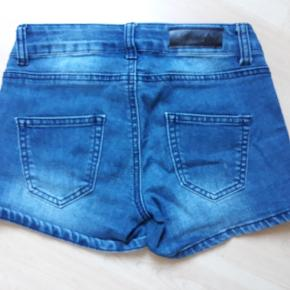 Shorts fra Add to bag str. 11år, brugt minimalt,  15kr