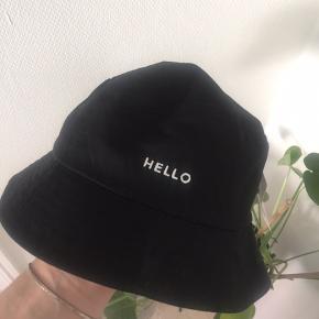 Helt ny bølle hat Købt i Italien her i sommers. Aldrig brugt. Super lækker kvalitet 🥰