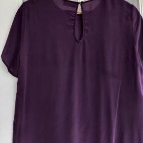 Bluse i ren silke fra Custommade