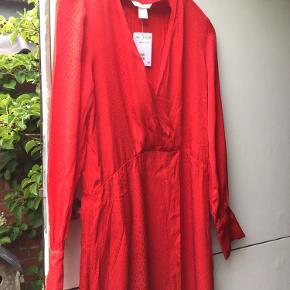 Ny lang kjole str. XS.