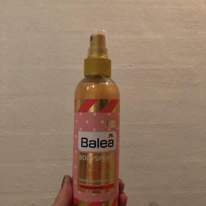 Vildt lækker glitter spray til kroppen. Perfekt til sommer 🙏🏼