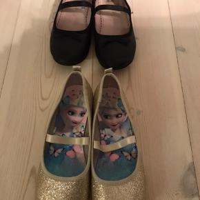 Ballerina sko fra HM. 50 kr pr par, som nye. Sort let brugt inden døre. Guld glimmer kun brugt en gang.
