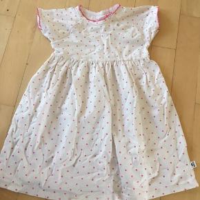 Prisen er incl Porto  Sød sommer kjole, er kun brugt få gange.