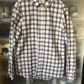 RVLT skjorte