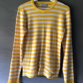 Fin bluse fra Neo Noir, brugt en gang Str. XL Sælges for 100,-