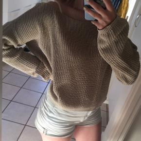 Sweater fra nakd, brugt få gange :)
