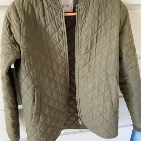 Godt brugt jakke fra Envii. Fremstår stadig rigtig fint