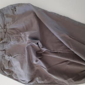Lækre bukser i str. 31. Lidt baggy facon