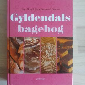 God bog fra Gyldendal med alle de gode bageopskrifter