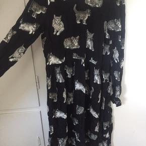Kjole med katte Kan passes af small-medium