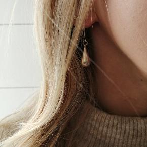 Dråbeformet ægte sølv øreringe