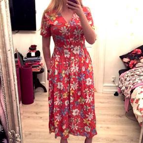 Smuk blomstret vintage kjole Str. 38 Byd Gerne!
