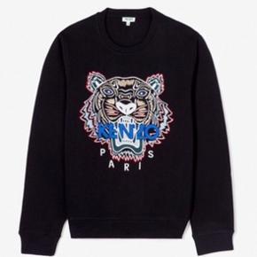👕Kenzo Paris Sweatshirt  👔Den er str Medium  💵Den er købt i Kenzo's egen butik i Barcelona  ✉️Har ALT og  💸Nypris var 1700kr  💳Den sælges mindst for 1300kr da den er som HELT ny