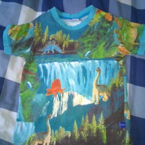 Tshirt med drager og dinosaur /dino / langhals  Molo t-shirt