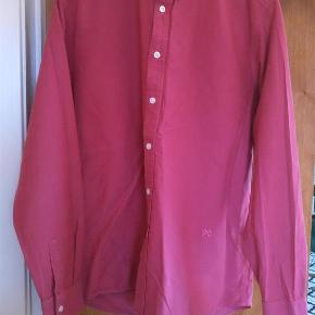 Varetype: mand skjorte Farve: Lyserød  Skøn farve, 100 % bomuld, ren herlighed. Hvis du ønsker at betale med TSpay, bliver gebyret på købers regning