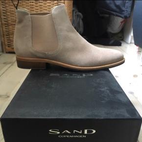 Sender ikke Sand Støvler i Ruskind Str 42 Nypris 2200,-