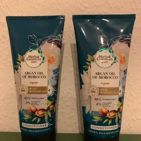 To styks Herbal Essences balsam Argan oil of Morocco.  Super lækker balsam til alt slags hår
