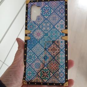 Cover til Samsung Galaxy note 10+ 🌞🧡🌞🧡🌞 Dims til at sætte bag på og hals rem så den kan hænge rundt om halsen 💝💝💝