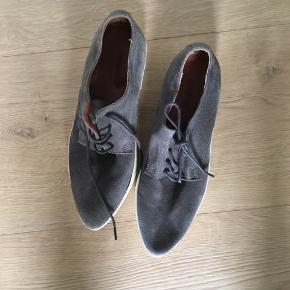 Fine sko fra Bianco - ægte ruskind   Kan afhentes i Aalborg eller Gug eller sendes på købers regning med DAO