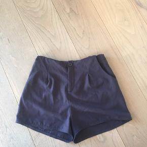 Shorts købt i UO, synes nærmere de passer en xs