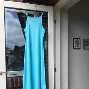Blå maxi kjole  Brugt 2 gange