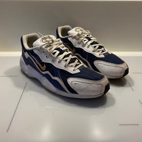 Fede Nike Sneakers Brugt virkelig få gange, står næsten som nye.