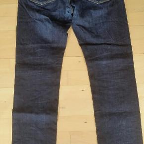 Lækre Tommy Hilfiger jeans str. 34/32 Livvidde: 86 cm Indvendig: 77 cm.
